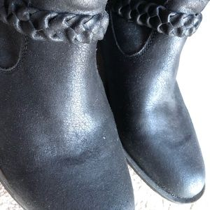 NWOT braided Ankle boots